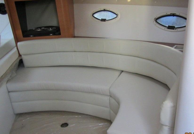 Моторна яхта Monterey 322 CR