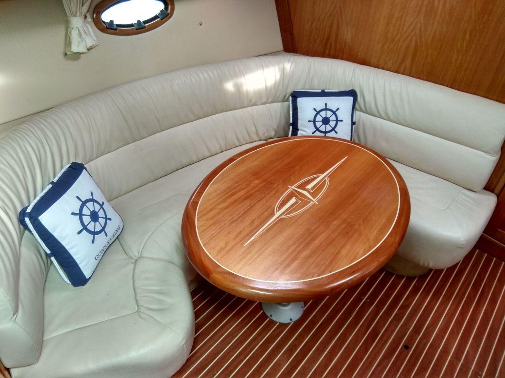 Моторна яхта – Bavaria 35 Sport